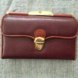Etienne Aigner leather vintage wallet/clutch